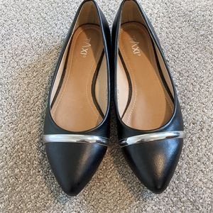 Taxi Aria-01 Black Flat Pointed Toe Silver Detail